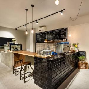 Dažai kavinėms barams valgykloms atsparūs plovimui