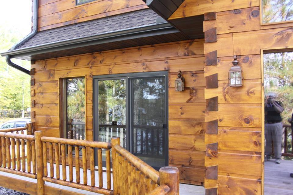 Medienos da ai da yv juwel dunnschichtlasur kaina for Log cabin exterior stain colors
