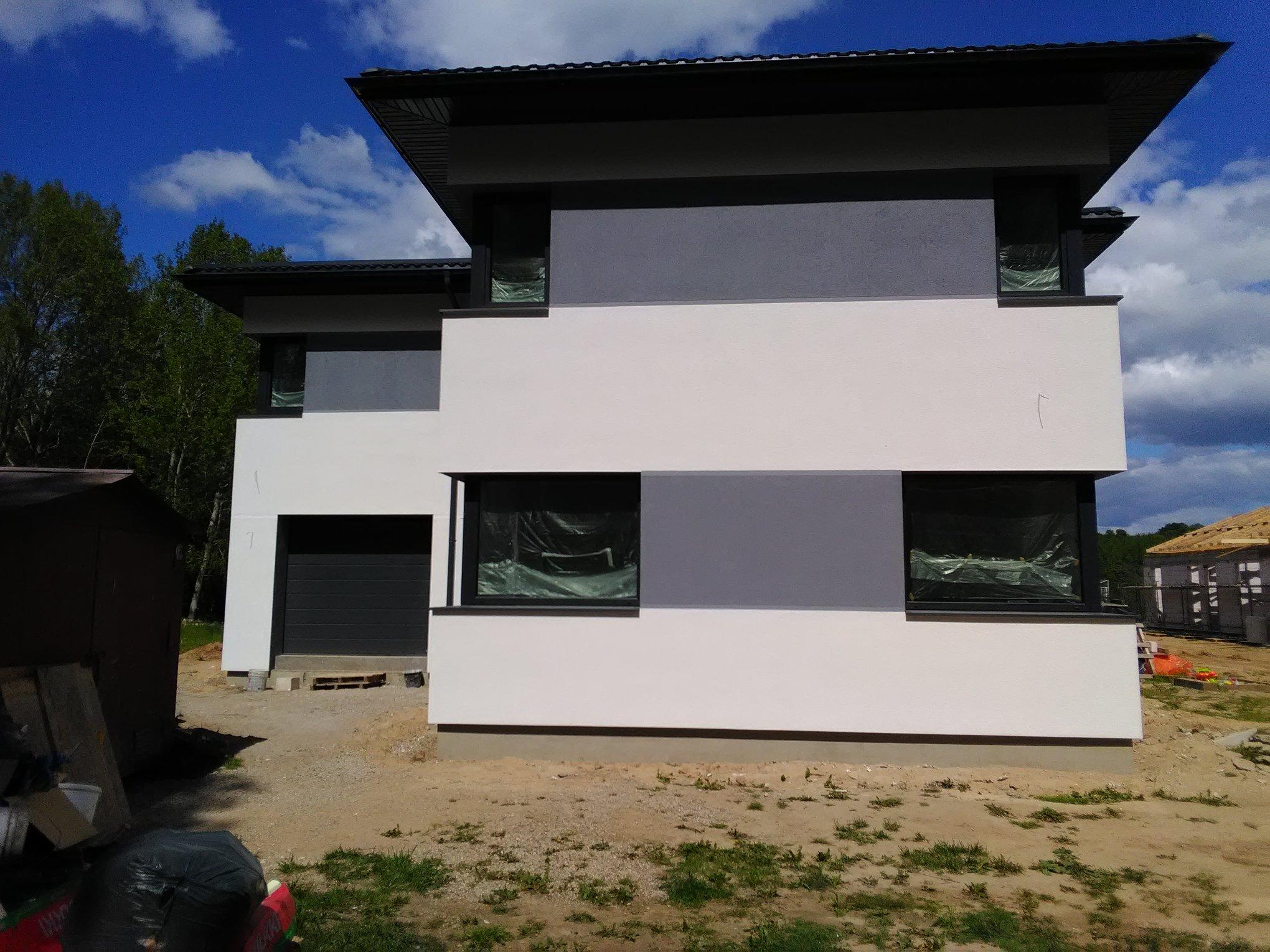 Vokiškas dekoratyvinis tinkas namo fasadui